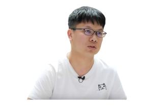 張維元 (WeiYuan)( 工研院 AI 課程講師與網站開發全端工程師 )